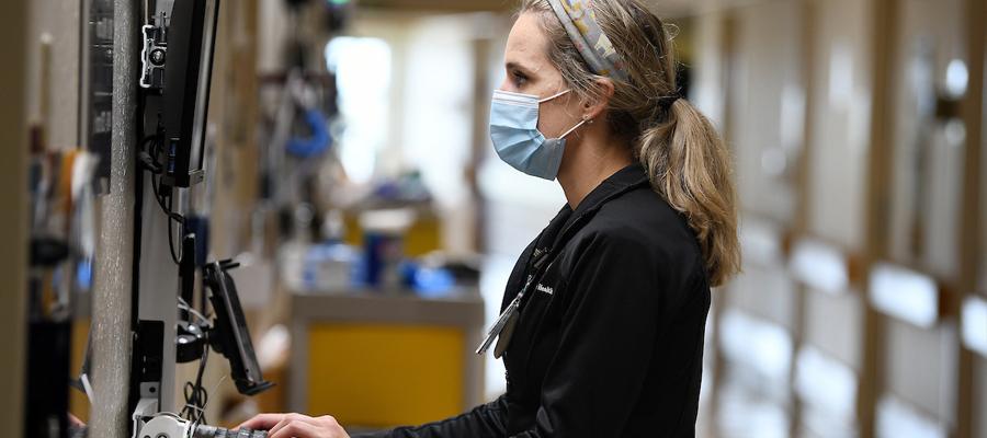 "Elizabeth ""Kate"" Davenport working at IU Health Methodist Hospital"