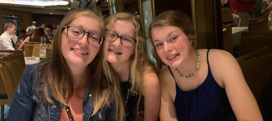 Willis' three daughters