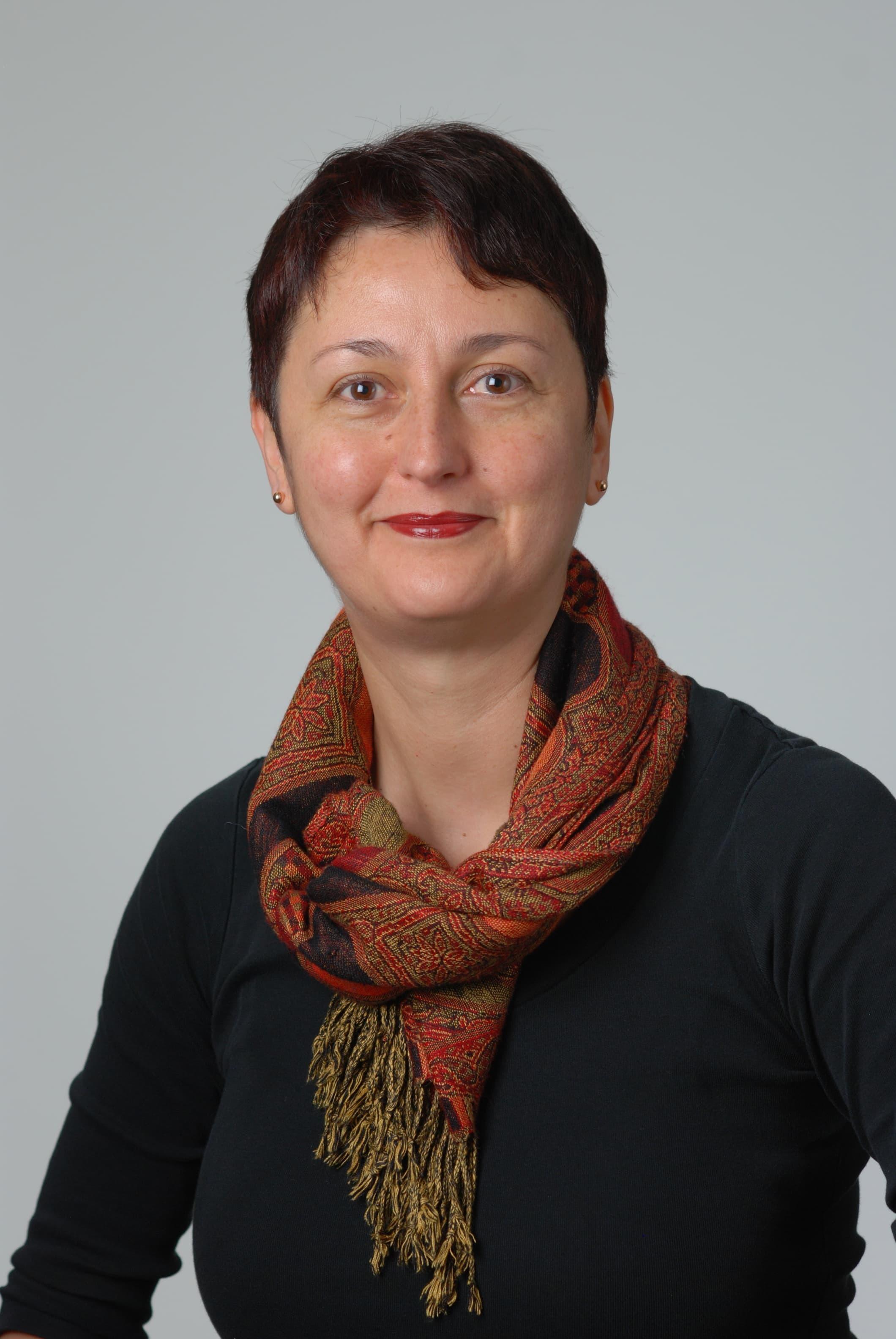 Corina  Nailescu, MD