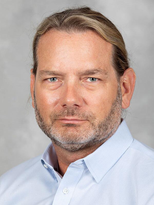 Daniel E Neely, MD